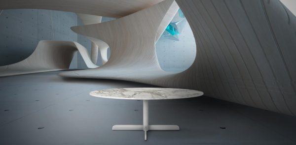 Table à manger blanche dans un décor architecturale