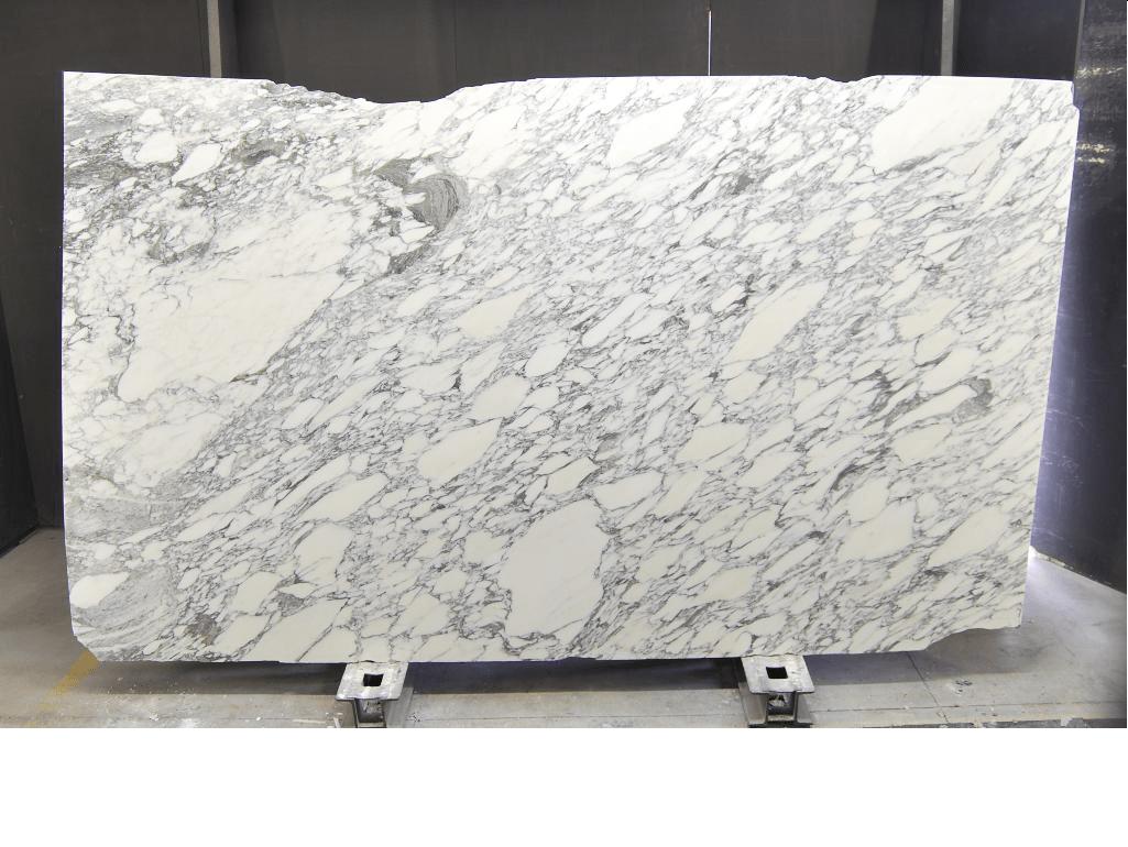 Tranche de marbre Arabescato corchia